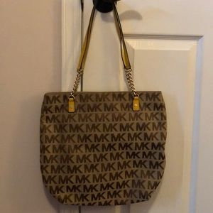 MICHAEL KORS purse with yellow handle